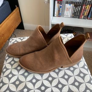 Universal Thread Ankle Boots, Size 8